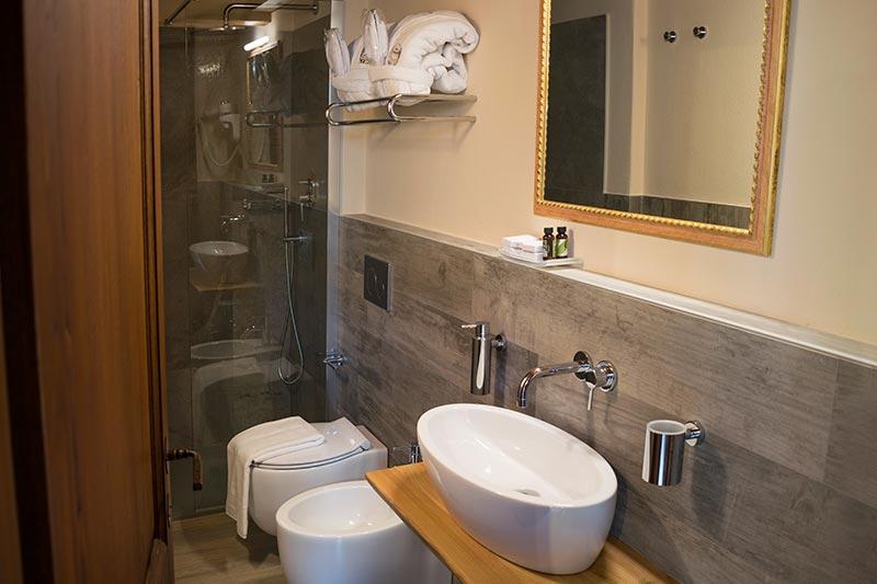 Camera con bagno privato di Ca' del Grano Bardi