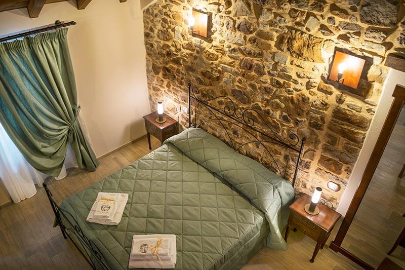 Camera matrimoniale dell'albergo diffuso Ca' del Grano di Parma