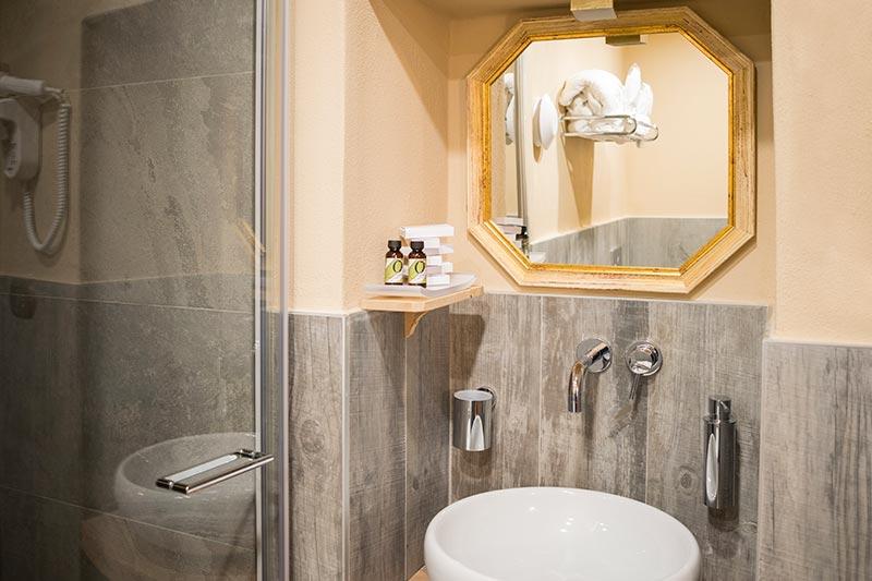 Camera matrimoniale con bagno Il Paggetto di Ca' del Grano Bardi