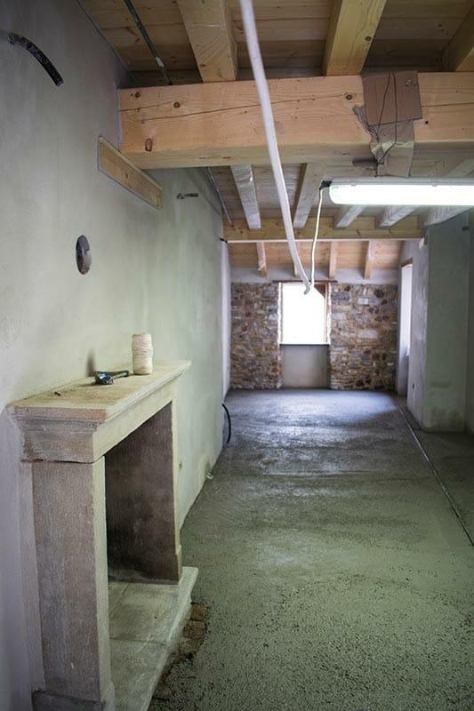 Camera La Principessa dell'albergo diffuso Ca' del Grano durante il restauro