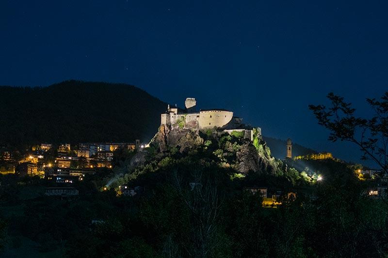 Bardi fortress by night